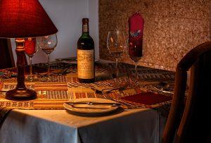 dinner-table-444797_1920