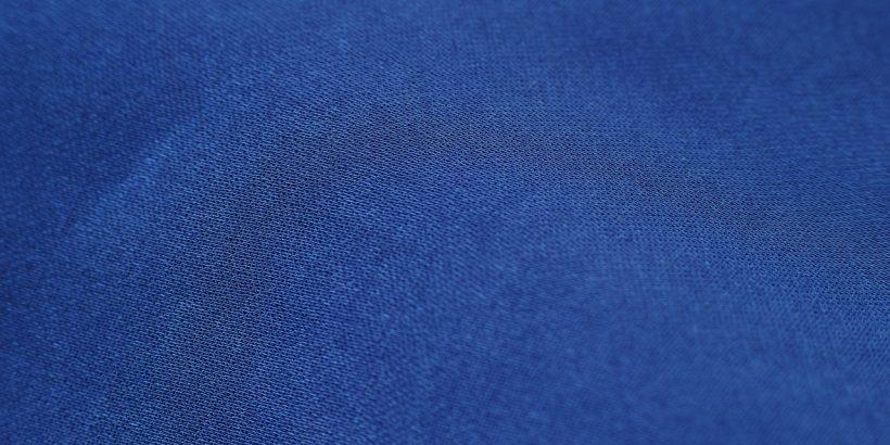 pull bleu en laine de cachemire